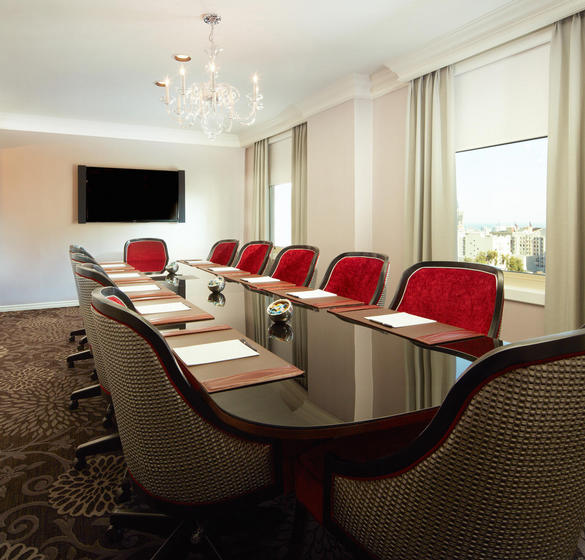 Elite meeting room at the Huntington Hotel